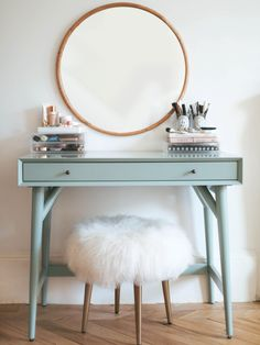 7 best Ikea hacks for every budget – [pin_pinter_full_name] 7 best Ikea hacks for every budget 7 Best Ikea Hacks For Every Budget // All about interiors, house renovation and lifestyle at bys… Best Ikea Hacks, Hacks Diy, Plywood Furniture, Home Furniture, Simple Furniture, Office Furniture, Bedroom Furniture, Furniture Design, Vanity Shabby Chic