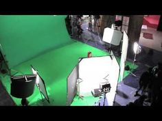 Learn how to light a green or blue screen for perfect chroma key - video tutorial! http://www.motionvfx.com/B3801  #filmmaking #filmmaker #tutorial
