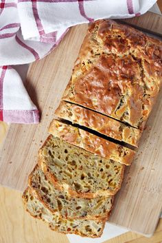 GF Bacon-Apple Cheddar Bread