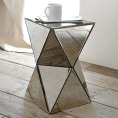 I want this mirrored end table!