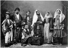 Kurds (on the left) and Armenians (on the right) with traditional dress.