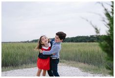 Siblings playing in front of the marsh. Fall family photos at The Landings in Savannah Georgia. Downtown Savannah Georgia family photos photographed by Kristen M. Brown of Samba to the Sea Photography. #familyphotos #savannah #savannahga Downtown Savannah, Savannah Georgia, Savannah Chat, Sea Photography, Photography Portfolio, Family Photography, Teddy Bear Hug, Fun Family Photos, Hot And Humid