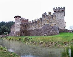 Castello-di-Amorosa-moat - List of castles in the United States - Wikipedia, the free encyclopedia