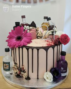 A pretty Lemon and Raspberry sponge cake decorated with buttercream, fresh flowers and alcohol miniatures for a birthday Modern Birthday Cakes, 21st Birthday Cupcakes, Bithday Cake, Pink Birthday Cakes, Cookie Cake Birthday, Birthday Cakes For Women, Alcohol Birthday Cake, Classy 21st Birthday, 21 Birthday