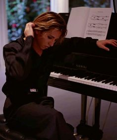 Yoshiki. Beautiful Person, How Beautiful, Beautiful People, Gackt, My Muse, Visual Kei, Hyde, Artist Art, Piano