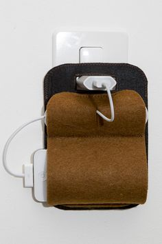 Ladetasche für dein Smartphone // gadget case made out of felt via DaWanda.com