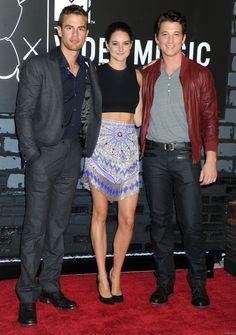 Theo James, Shailene Woodley and Miles Teller on the MTV VMAs red carpet, 8/25