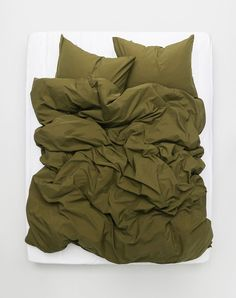 Exclusive Yarn Dyed Egyptian cotton 600 TC duvet covers and pillows, true Italian luxury Egyptian cotton bedding at ZigZagZurich. Available in 15 colours, all sizes,custom too. Olive Green Bedrooms, Bedroom Green, Olive Bedroom, Beach Bedding Sets, Luxury Bedding Sets, Modern Bedding, Green Duvet Covers, Bed Duvet Covers, 100 Cotton Duvet Covers