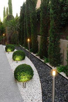 Top 60 Best Driveway Landscaping Ideas – Home Exterior Designs – modern landscape design front yard Driveway Landscaping, Landscaping With Rocks, Modern Landscaping, Backyard Landscaping, Landscaping Ideas, Backyard Ideas, Modern Backyard, Stone Landscaping, Sloped Backyard