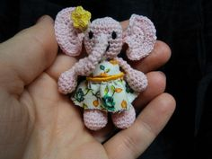 Gracie the Tiny thread crochet elephant. Free pattern on blog. Click picture!
