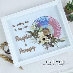 """Penyewaan Tray & Hias Hantaran membagikan postingan di Instagram: """". Mahar : @pempy.an dan @ragitasftr #royalwrap #seserahan #seserahandepok #seserahanbogor…"""" • Ikuti akunnya untuk melihat 2,569 postingan. Wedding Gift Boxes, Wedding Gifts, Pelamin Simple, Library Card, Origami, Bloom, Frame, Cards, Handmade"""
