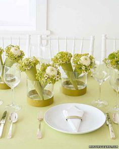 Favor Centerpieces: Mini Bouquets