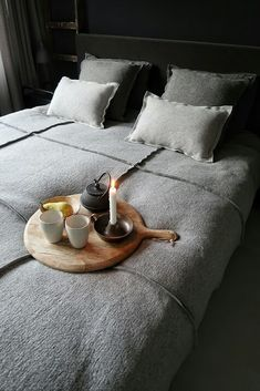 My favorite bedding Huizedop Cheap Bedding Sets, Bedding Sets Online, Home Bedroom, Master Bedroom, Window Bed, Window Seats, How To Dress A Bed, Bed Linen Online, Bed Sets