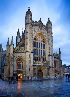 Bath Abbey (Abbey Church of St. Peter and St. Paul) Bath, England - [HDR] by Rob Overcash Photography, via Flickr