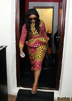 Beautiful African Ankara Styles For Curvy Ladies African Fashion Ankara, African Dresses For Women, African Print Dresses, African Print Fashion, Africa Fashion, African Attire, African Women, African Clothes, Ankara Rock