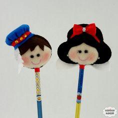 Ponteira de lápis ou caneta decorada com a personagem Branca de Neve ou Príncipe. Quantidade mínima 10 unidades. Produto 100% artesanal.