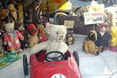 Apen matkat: Wien osa 2, nähtävyyksiä ja tanssivia nalleja iltakävelyllä Teddy Bear, Toys, How To Make, Animals, Activity Toys, Animales, Animaux, Clearance Toys, Teddy Bears