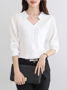 Fashion Tips Outfits V-Neck Plain Patch Pocket Long Sleeve T-Shirt.Fashion Tips Outfits V-Neck Plain Patch Pocket Long Sleeve T-Shirt Kurti Neck Designs, Blouse Designs, Sewing Blouses, Blouse Online, Business Attire, Business Women, Blouse Styles, Trendy Fashion, Classy Fashion