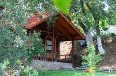 Green Tourism In Greece Greece Tourism, Delicious Restaurant, Cabins In The Woods, House Styles, Green, Home Decor, Decoration Home, Tourism In Greece, Room Decor