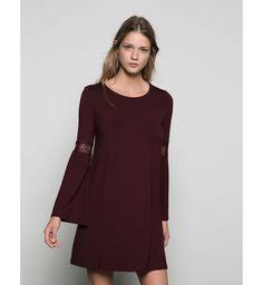 Robe pour petite poitrine : une robe 70's avec dentelle, Bershka, 19,99€