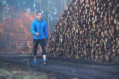 Bien utiliser ses bâtons de marche nordique permet de maîtriser la technique de marche nordique la plus élémentaire : le mouvement des bâtons, pour mieux vous propulser vers de nouvelles sensations de marche.