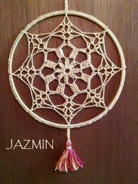 Crochet Earrings Pattern, Crochet Mandala Pattern, Crochet Doilies, Crochet Patterns, Web Patterns, Crochet Home, Crochet Gifts, Diy Dream Catcher Tutorial, Dream Catcher Patterns
