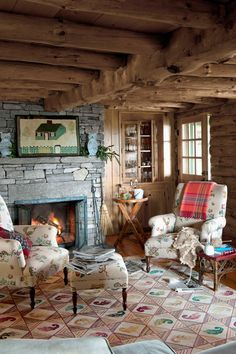 Wouldn't change a thing about this log cabin living room! Log Home Living, Cozy Living Rooms, Cottage Living, Cozy Cabin, Cozy Cottage, Salons Cosy, Cottage Fireplace, Log Cabin Homes, Log Cabins