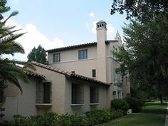 Cross Hall, Rollins College. Love my AOII House <3