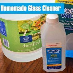 {Homemade Glass Cleaner Recipe!}