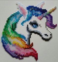 """#Einhorn aus #Bügelperlen nach der Vorlage unter """"Ausprobiert"""", verziert mit #Glitzer  Keywords:   ironing beads, cuentas para planchar, perles à repasser, термобусины, Koraliki do prasowania, perline da stirare, strijkkralen, silitettävät helmet, strygeperler  ----------------  unicorn, unicornio, licorne, единорог, jednorożec, unicorno, eenhoorn, yksisarvinen, enhjørning  ----------------  glitter, resplandecer, briller, сверкание, brokat, luccichio, schitteren, kimallus, 手鐲,獨角獸"""
