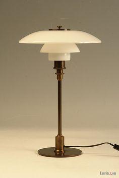 Poul Henningsen 1894-1967 TrePH bordlampe by Lauritz.com Oslo, via Flickr