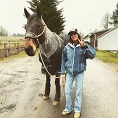 Image may contain: 1 person, horse, tree and outdoor Cowgirl Style Outfits, Country Style Outfits, Southern Outfits, Rodeo Outfits, Country Girl Style, Cute N Country, Western Outfits, Cowgirl Fashion, Country Western Fashion