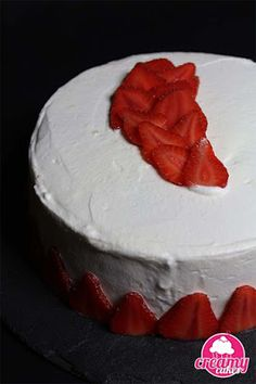 Cheesecake, Desserts, Food, Sponge Cake, Whipped Cream, Strawberry Fruit, Recipes, Tailgate Desserts, Deserts