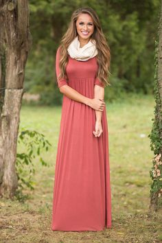 This gorgeous and versatile maxi is the perfect fall dress that you'll been looking for!