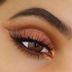 Tutoriel de Maquillage : A makeup tutorial using the new Urban Decay Naked Heat Palette. I did a cut crea...