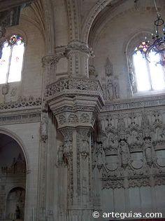 Detalle del interior de la iglesia de San Juan de los Reyes de Toledo