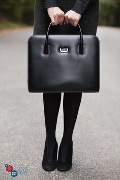 Elise - Beautiful feminine semi-professional bag, minimalist design and sophisticated style