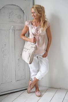 BYPIAS Linen top & capris /@bypiaslifestyle wwwbypias.com