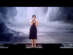 Lily Allen @ 2007 Swarovski Fashion Rocks (singing LDN)