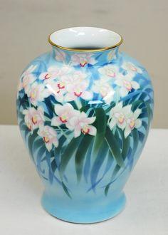 Japanese Porcelain Urn-Form Vase by Fukagawa :: Vases :: Beaux Arts Galleria