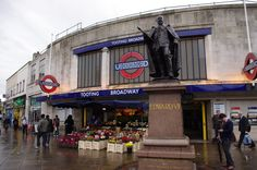 Tooting Broadway, the place where I used to live ^^ Miz it!