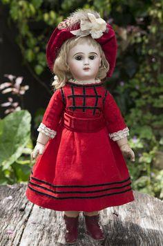 RESPECTFULBEAR on Ruby Lane http://www.rubylane.com/item/587557-RL-01025/19-49-cm-Very-French #antiquedoll #Danel