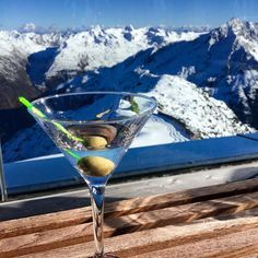 Oh there is my martini shaken not stirred and that glacier view where #DanielCraig did some crazy stunt scenes for the new James Bond movie. I am up on the Gaislachkogl in the swanky IceQ restaurant in #solden one of the movie sets in #spectre! Cheers mister Bond!! #travel #007 #alps @oetztal #myaustria