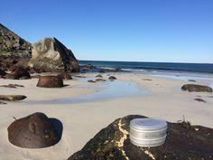Lofotposten - Uttakleiv er den fineste plassen jeg vet om. Der kan jeg sitte lenge på steinene og se utover havet