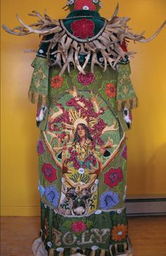 Caribou Women Flowers -back Photocredit: Teresa Burrows from the book Strange Materials by Leanne Prain: http://fiberartnow.net/fan-fare-leanne-prain/#.Vd8EQVNViko