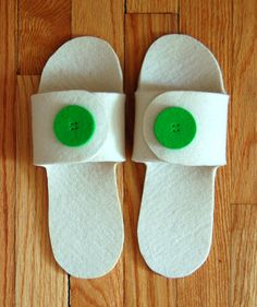 Felt Button Slippers | The Purl Bee