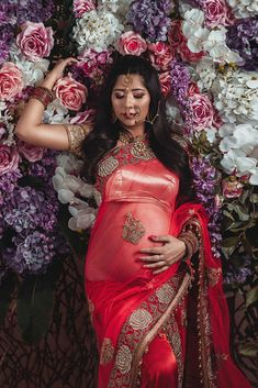 Indian Wedding Photography Poses, Maternity Photography Poses, Maternity Shoots, Maternity Outfits, Maternity Pictures, Couple Pregnancy Photoshoot, Pregnancy Pics, Pregnant Wife, Pregnant Couple