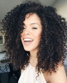Popular afro hairstyles for woman – My hair and beauty Kinky Curly Wigs, Curly Hair Care, Human Hair Wigs, Curly Hair Styles, Natural Hair Care Tips, Natural Hair Styles, Pelo Afro, Natural Hair Inspiration, Afro Hairstyles