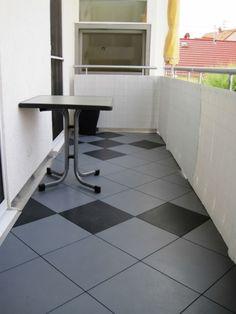 Balkonbelag mit balkonfliesen aus kunststoff bergo xl in grasgr n balkonboden pinterest - Bodenfliesen balkon kunststoff ...