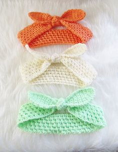 """""""Who doesn't love the retro style? Use this crochet pattern to make an adorable knot headband. The Knot Me Up Headband by CrochetDreamz is worked using DK weight yarn and includes instructions for all sizes from baby to adult. It would make a perfect mummy and me pair. The knot is made using a separate …"""